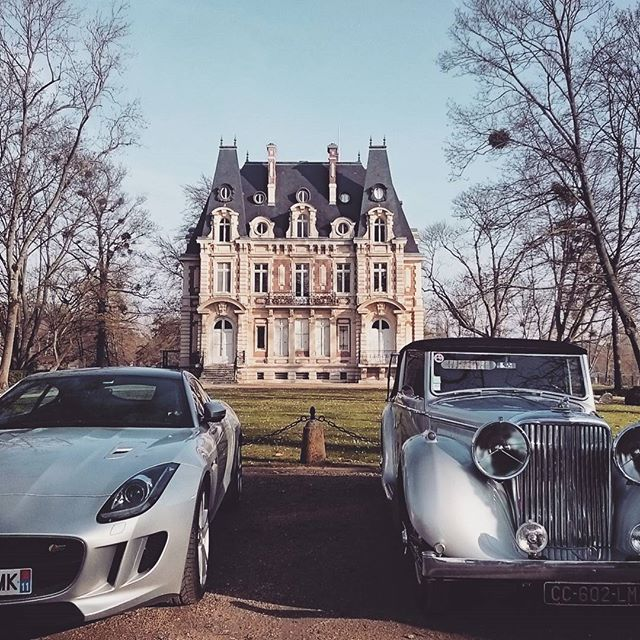 Sunday outing #jaguar #outdoors #castle #collection #Paris